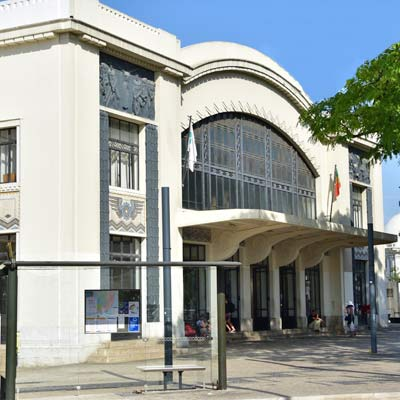 Cais do Sodre railway station